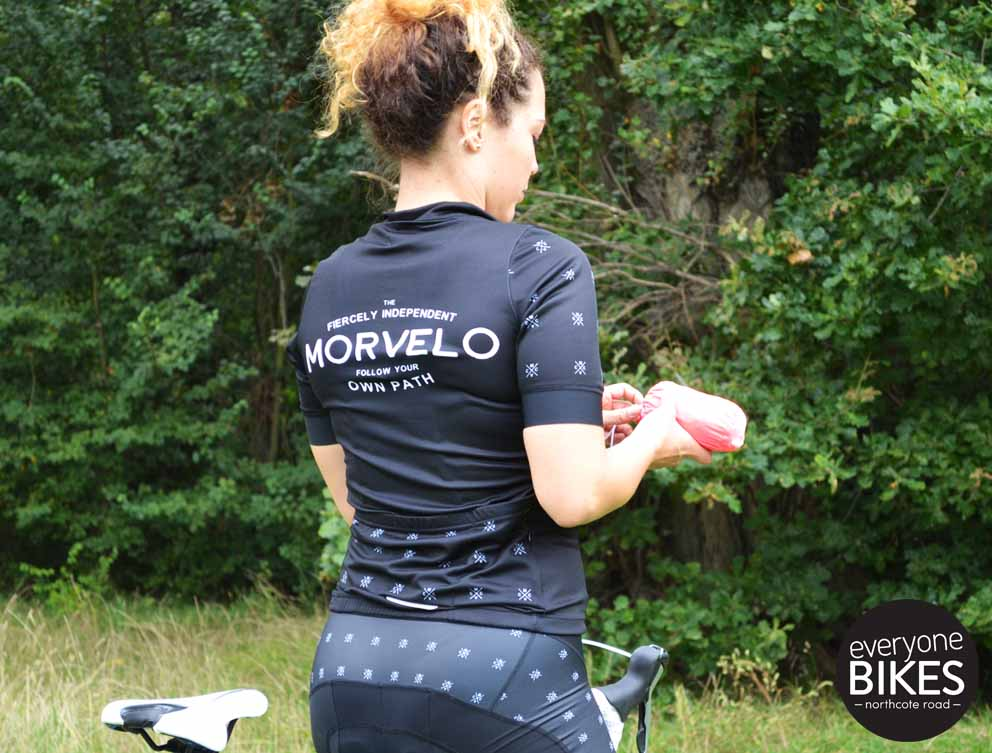 Morvelo MVCC WOMENS jersey & bib shorts