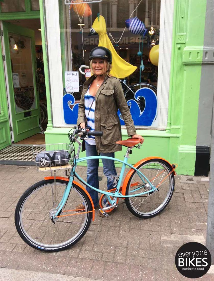 Check out Claire with her new Pashley Tube Rider, Bern lid & Bike Parka! Lookin' too cool, have fun girl!