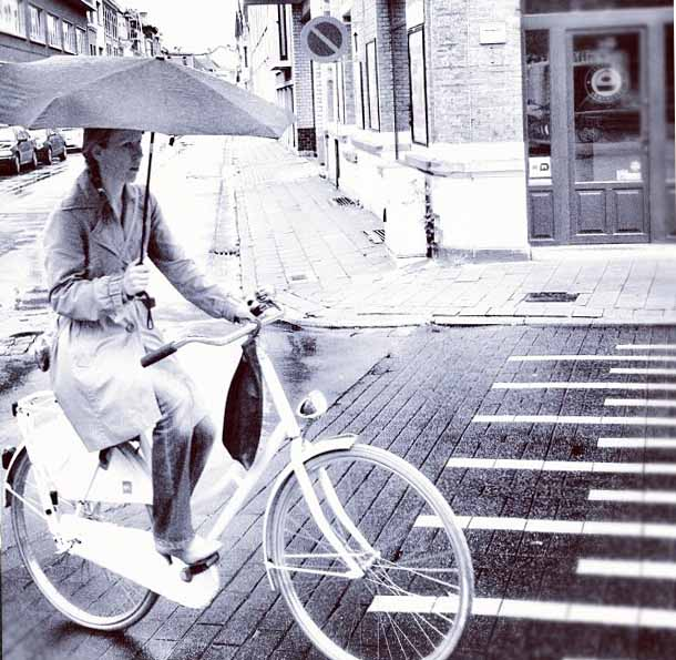 Cycle in the rain