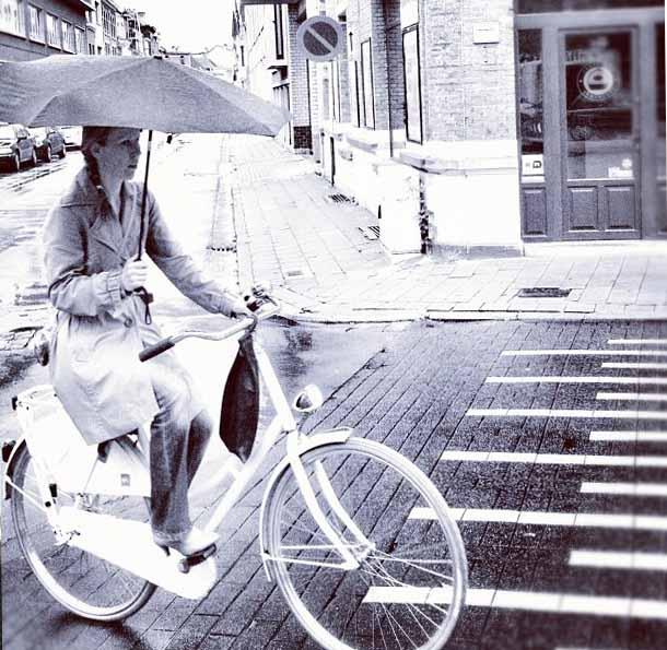 Cycle in the rain