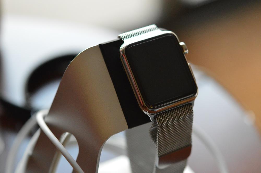 Apple Watch on Spigen Stand