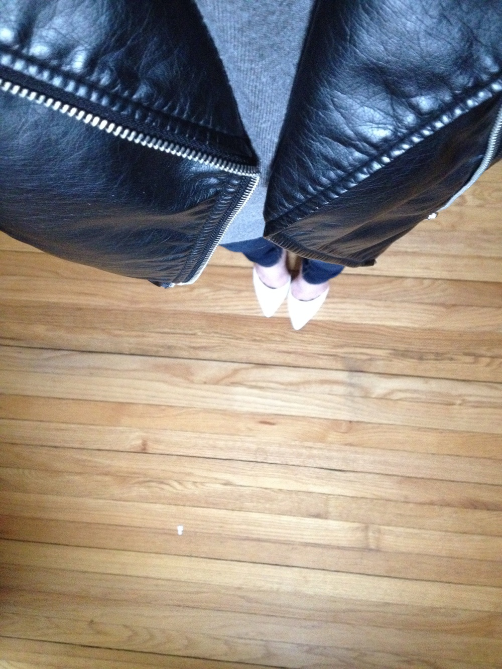 jacket/ h&m, sweateshirt/ hm, jeans/ zara, shoes/Michael Antonio