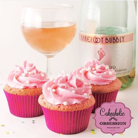 We have a few spots available for Saturday night Champagne and Cupcake class. Go online and book your spot. BYOB #datenight #ladiesnight #girlnightout #montclairnj