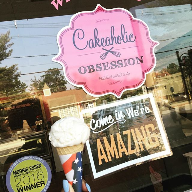Enjoying the beautiful weather stop by and get an ice cream cone. 🍦🍨🍥 #icecream #16flavors #homemade #treatyoself