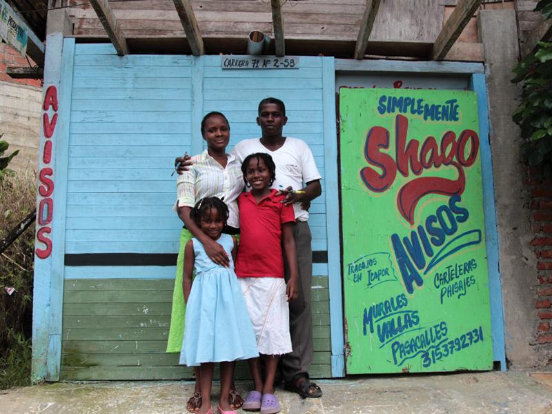 El pintor 'Shago' y su familia, Buenaventura (COL)