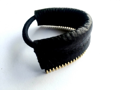 zipper hair elastic 2.JPG
