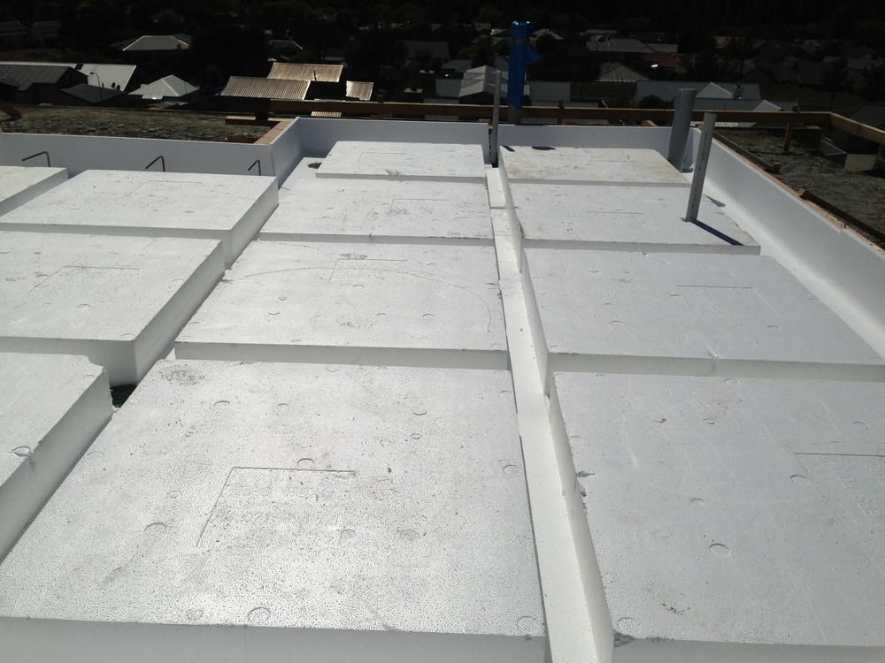 Each MAXWaffleRaft floor maintains a complete thermal break around the foundation