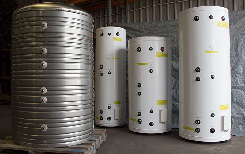 Hydronic buffer tanks