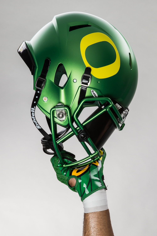 FA15_NFB_NCAA_OREGON_Helmet_v1_1331 1.JPG