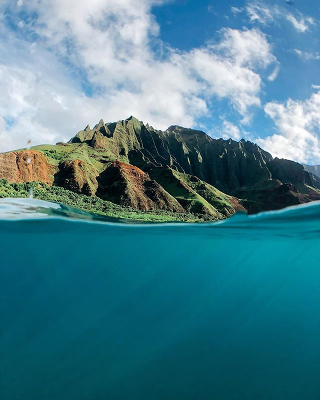 7 years ago I hiked the Napali Coast. Last week I returned, and got to enjoy losing my breath all 👏 over 👏 again 👏
