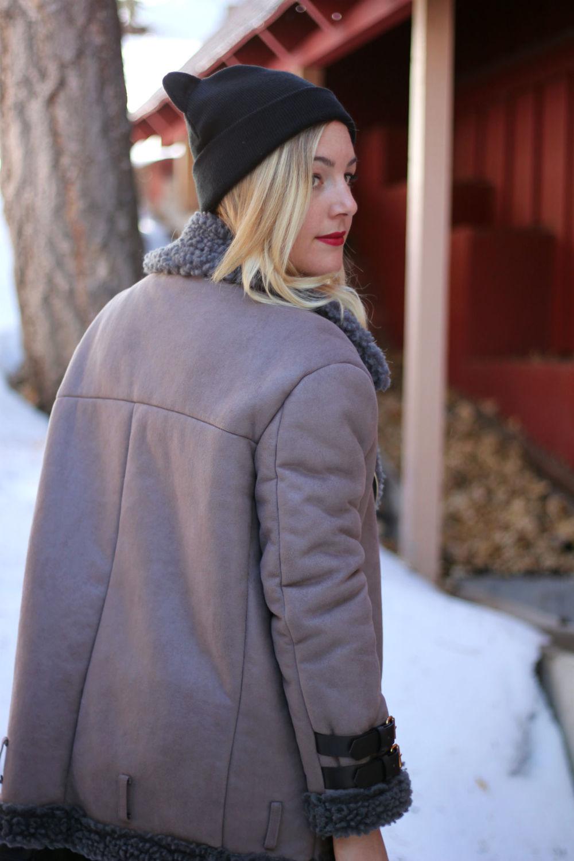 Faith in Style_winter coat 1.jpg