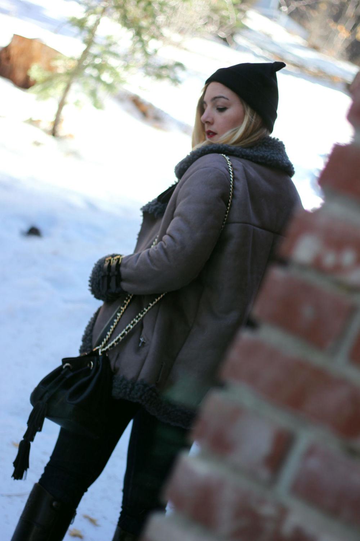 Faith in Style_winter coat 3.jpg