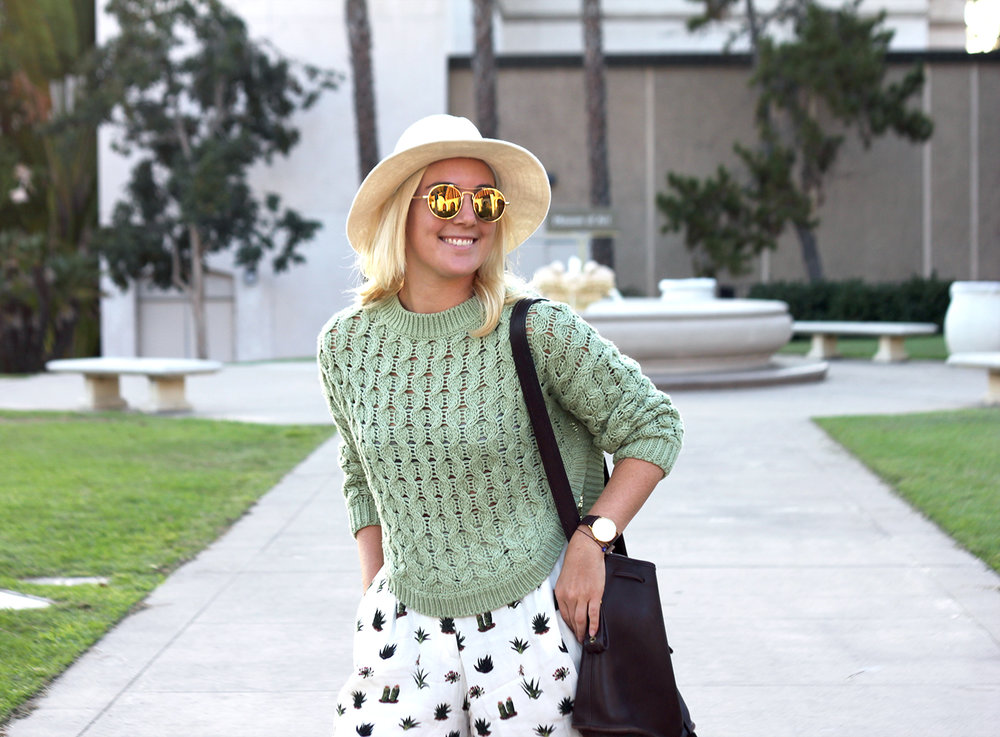 Green Sweater Topshop Shorts Faith in Style 9.jpg