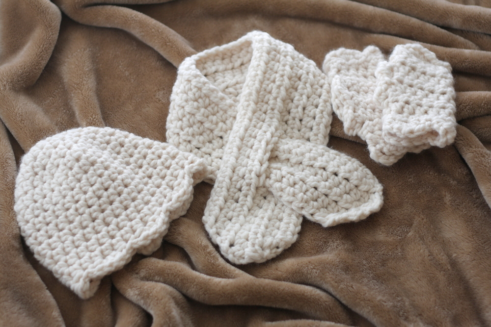 Free Crochet Pattern - Last Minute Christmas Gift Set — The Black ...