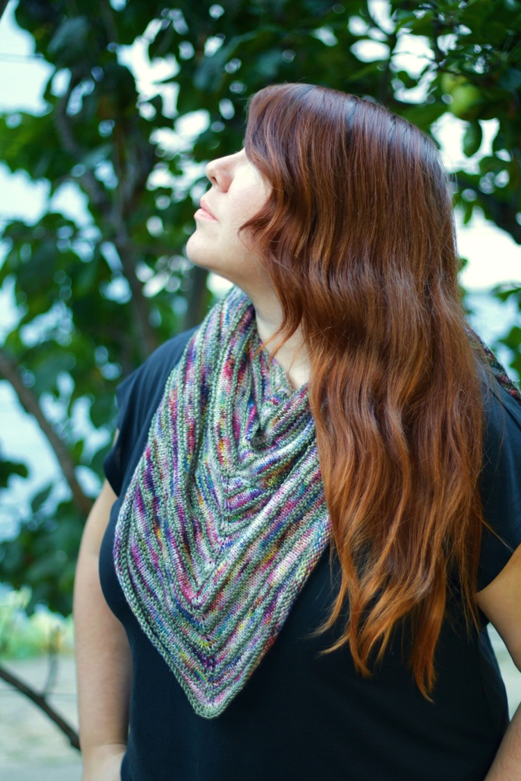 Free Knitting Pattern - Knits and Knots Shawlette — The Black Squirrel