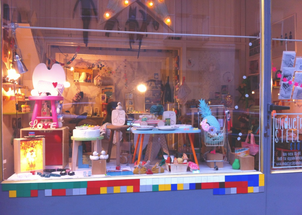 unduetrestellaSTORE february 2015 window