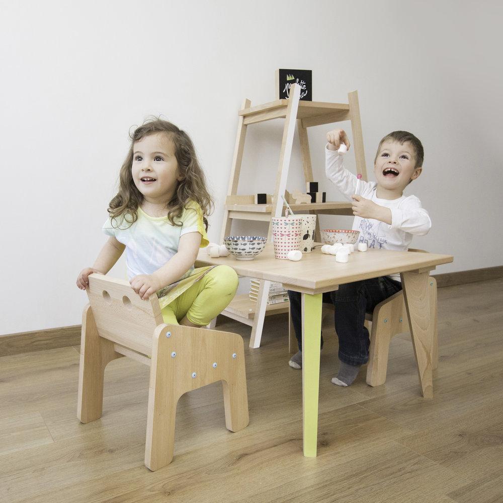 Fauteuil-boudoir-table-basse-pauletteetsacha.jpg