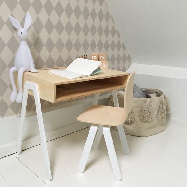 Kidsdesk&chair_inspirational_015.jpg