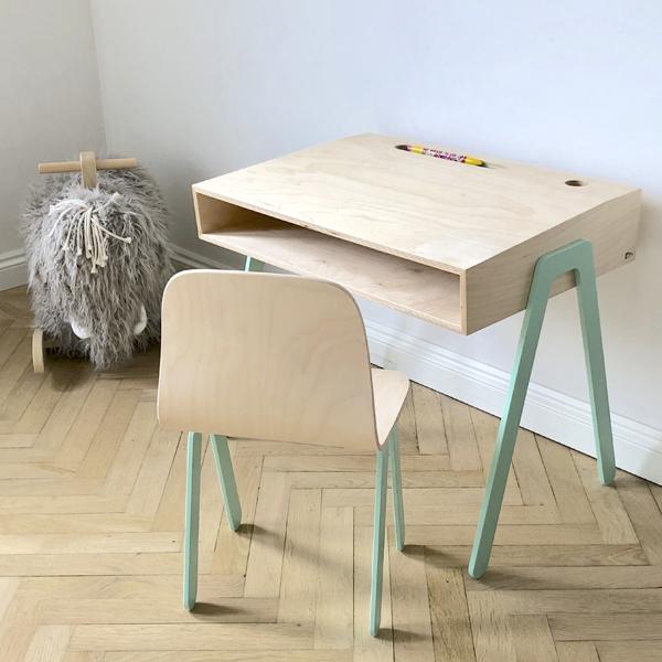 Kidsdesk&chair_inspirational_018.jpg