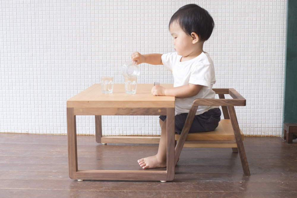 kid's table&chair 01.jpg