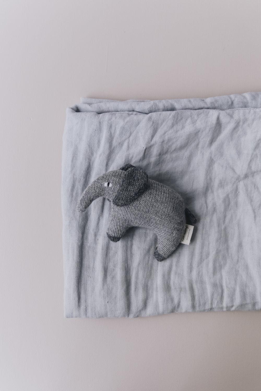 lifestyle_elephant_4.jpg