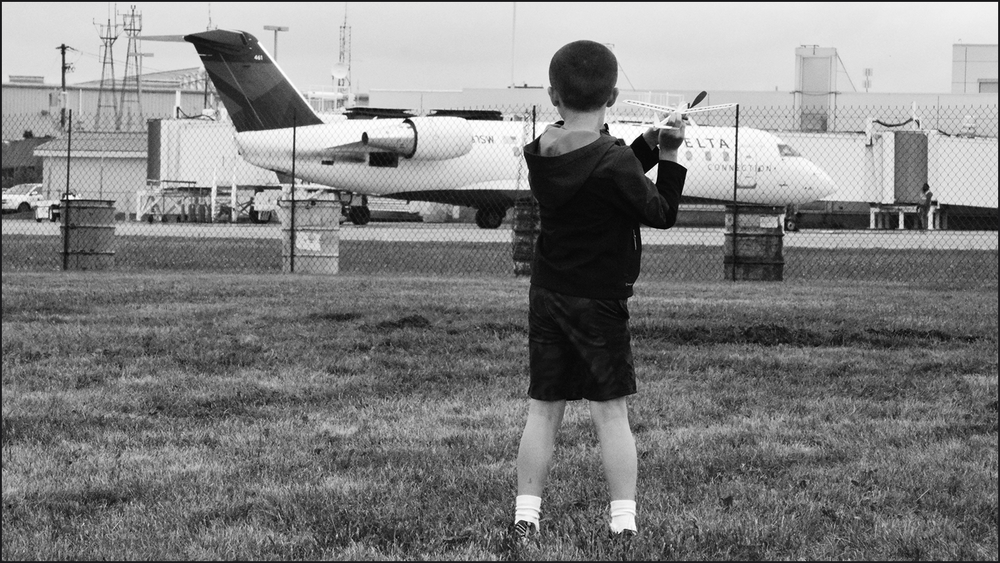 i see a kid dreaming of becoming a pilot and flying (c) mark somple 2018