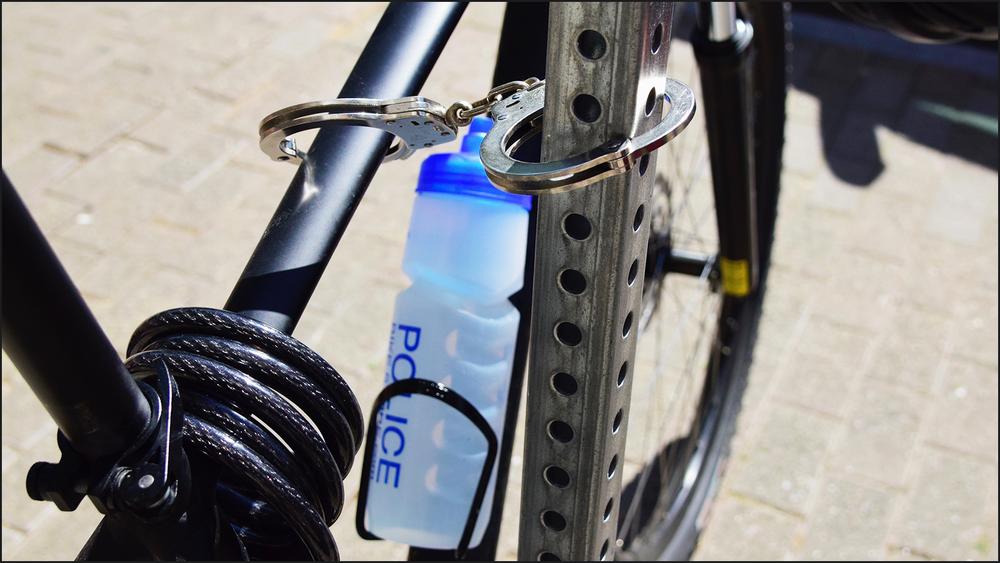 i admired the ingenuity of the bike lock (c) mark somple 2018