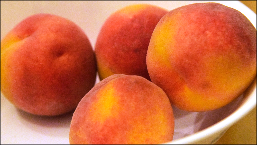 amazing peaches, fresh from a tree (c) mark somple 2018