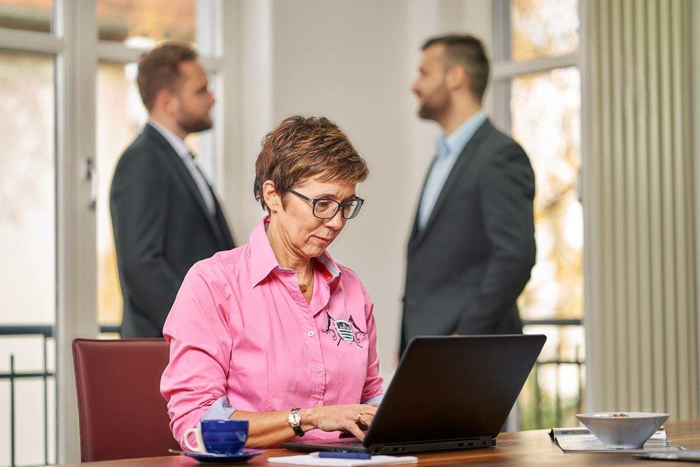 Corporateshooting für die neue Webseite und zur Gewinnung von neuen Mitarbeitern. Bewerbungsgespräch.