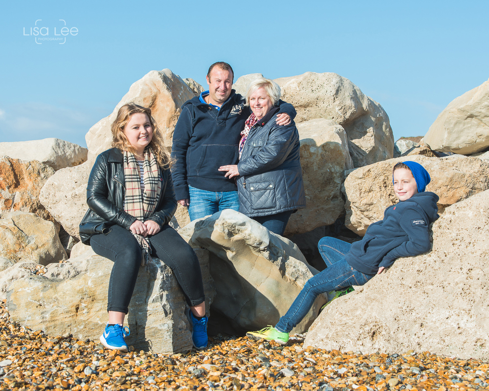 family-portrait-photography-prewedding-hengistbury-head-watts-7.jpg