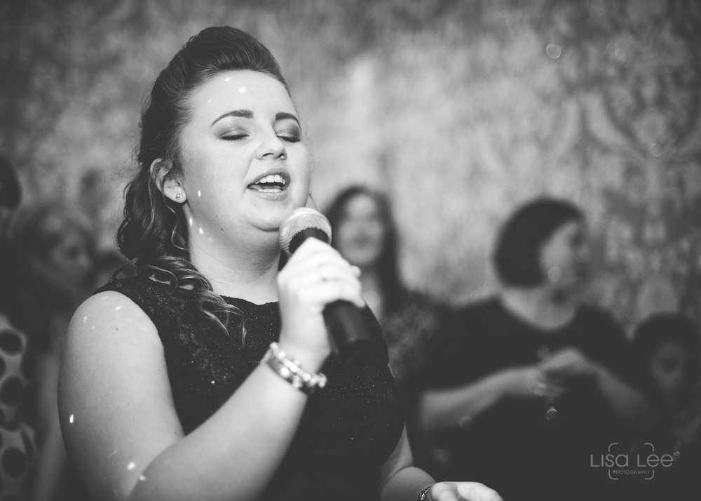 lisa-lee-wedding-photography-solo-singer.jpg