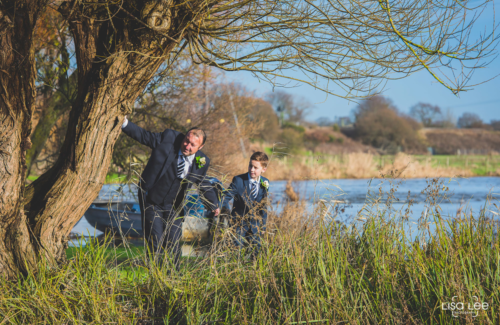 lisa-lee-wedding-photography-new-forest-hampshire-boys3.jpg