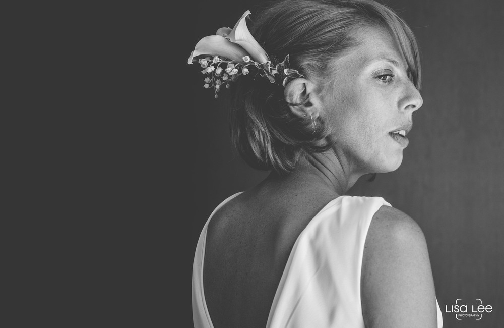 lisa-lee-wedding-photography-christchurch-dorset-bride2.jpg