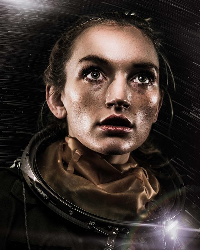 Lost in Space w/ @olivia_harriet 🚀✨👩🏻🚀 #offdutyastronaut #astronaut #cosmonaut #space #scifi #scifiart #portraitgames #albumart