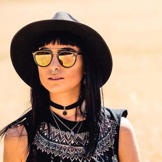 Fields of Gold w/ @bonham_22 🌾🌻💛 #photoshoot #ferocescout #portraitgames  #agameoftones  Top = @rococomi Sunglasses & Earrings from Vintage Market, Brick Lane (@trumanbrewery) Hat = @missguided Rings = @mysticumluna Necklaces from @camdenmarketldn MakeUp = @maccosmetics