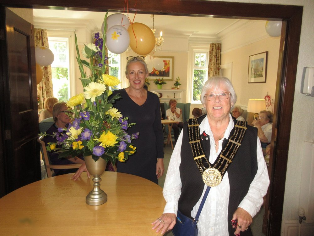 …we also had a flower arrangement demonstration by Sue Hodgson of Flowers from Holland and the Mayoress called in for a coffee too