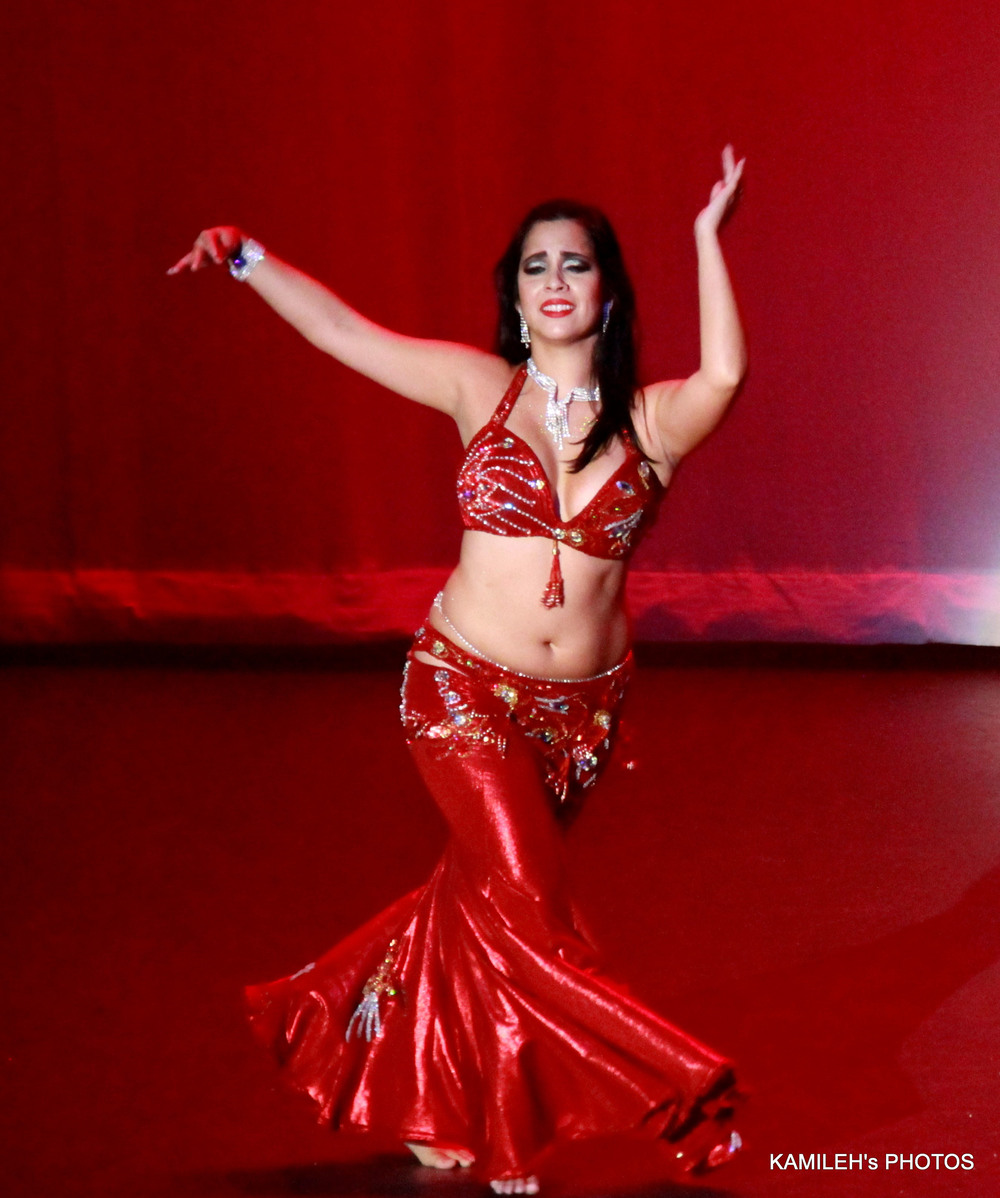 Amara Sayid performing in Arabian Dreams