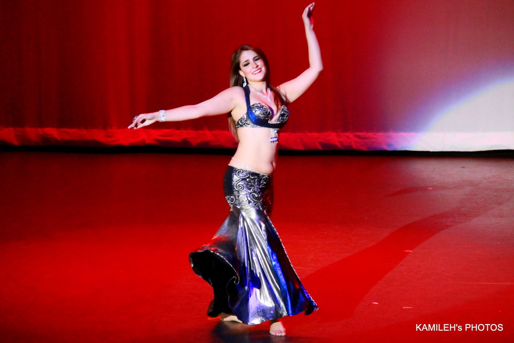 Danna Yasbet performing at Arabian Dreams