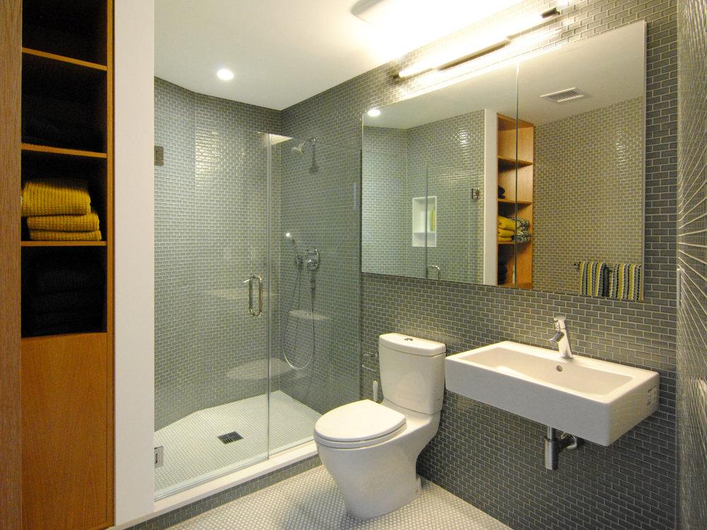 14_Bath_Guest.jpg