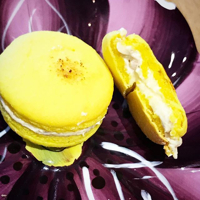 LEMON MERINGUE PIE #french #macaron   Words cannot capture the true beauty of this flavor... you must #experience it yourself 😌 #lemonmeringuepie #love #kissmycake #huntington #ny