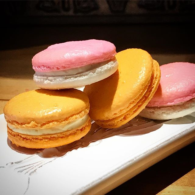August is #creamsicle month at #kmc ! Zesty #orange and vibrant #raspberry #macarons  #kissmycake #huntington #longisland #ny