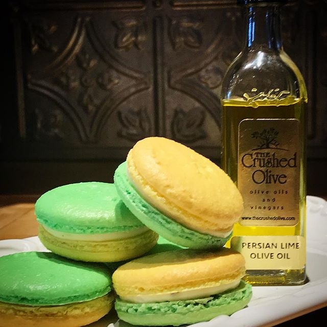 Pulling an old school flavor out of the vault this month - LIME OLIVE OIL VANILLA #macaron - @valrhonausa #whitechocolate ganache infused with this incredible Persian lime olive oil from @thecrushedolive and Madagascar #vanilla  Exotically delicious 😋 #kissmycake #frenchmacarons #weship #huntington #longisland #ny