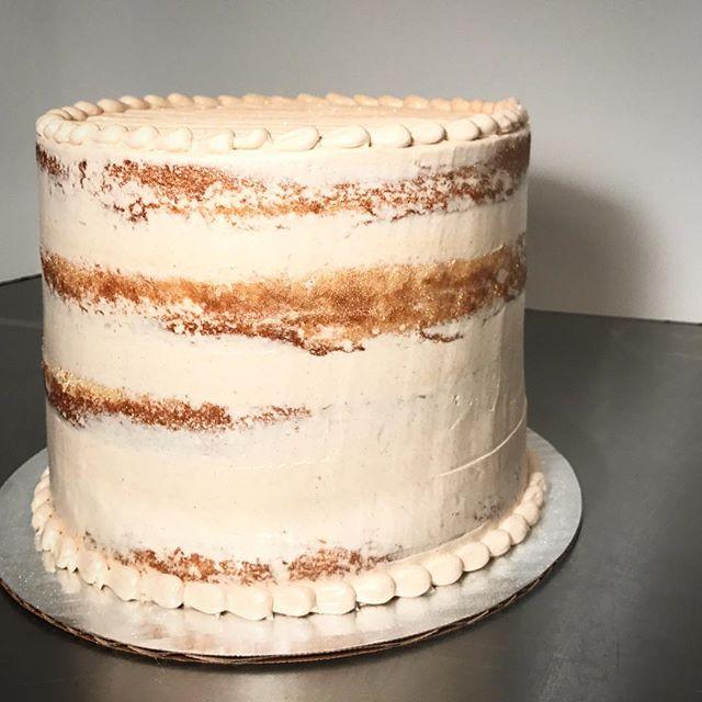 NAKED CAKE #nakedcake #cinnamon #pumpkin #kissmycake #cake #huntington #longisland #ny