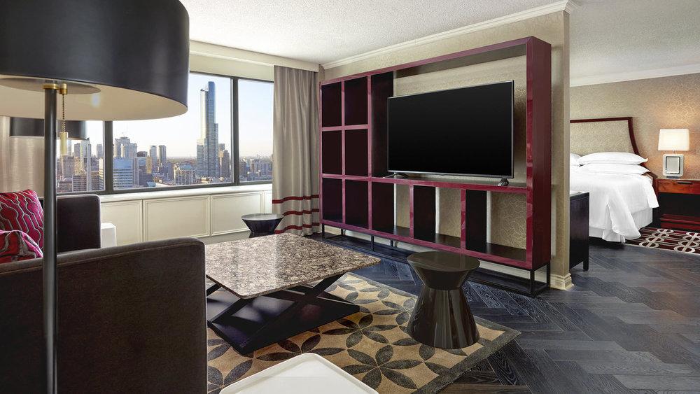 she271gr-173740-Royal-Suite-Bedroom.jpg
