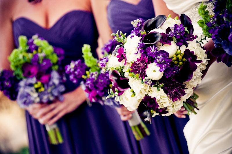 cincinnati wedding florist courtenay lambert florals flowers bouquet white purple green. Black Bedroom Furniture Sets. Home Design Ideas