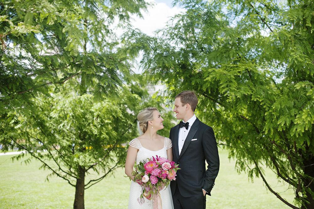 Bride and Groom Pictures in Cincinnati