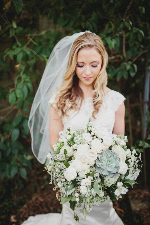 Cincinnati Wedding Flowers - Courtenay Lambert Florals - The Carrs Photography