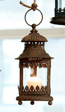 gray leaf lantern.png