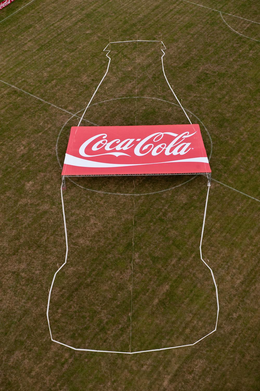 2009.073 Cola Flasche (1).jpg