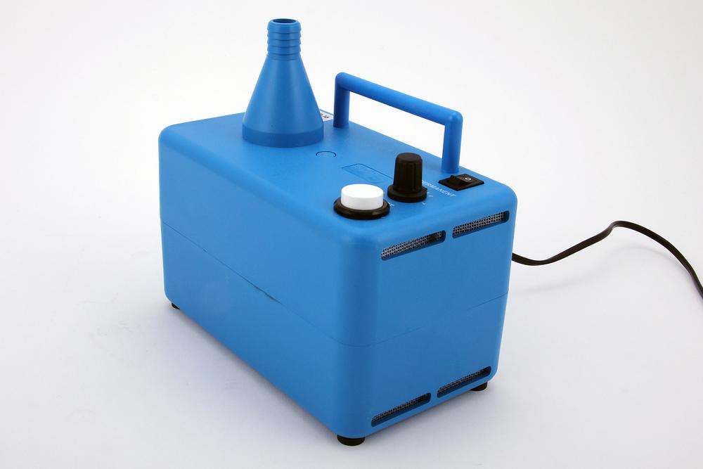 Luftgerät L Profigerät für hohe Füllvolumenmit Abschaltautomatik Miete 30.00 CHF für 7 Tage, ab dem 8. Tag 1.00 CHF/Tag Kauf 280.00 CHF